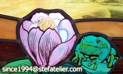détail vitrail portes coulissantes iris nénuphars