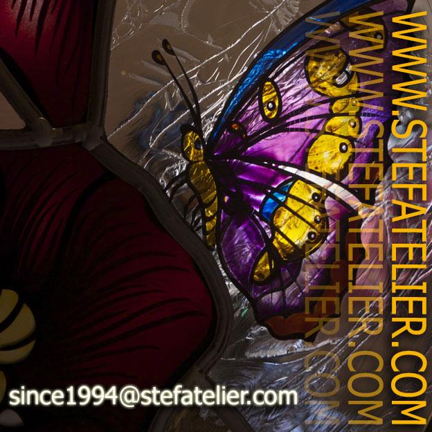 vitrail coquelicot et papillon