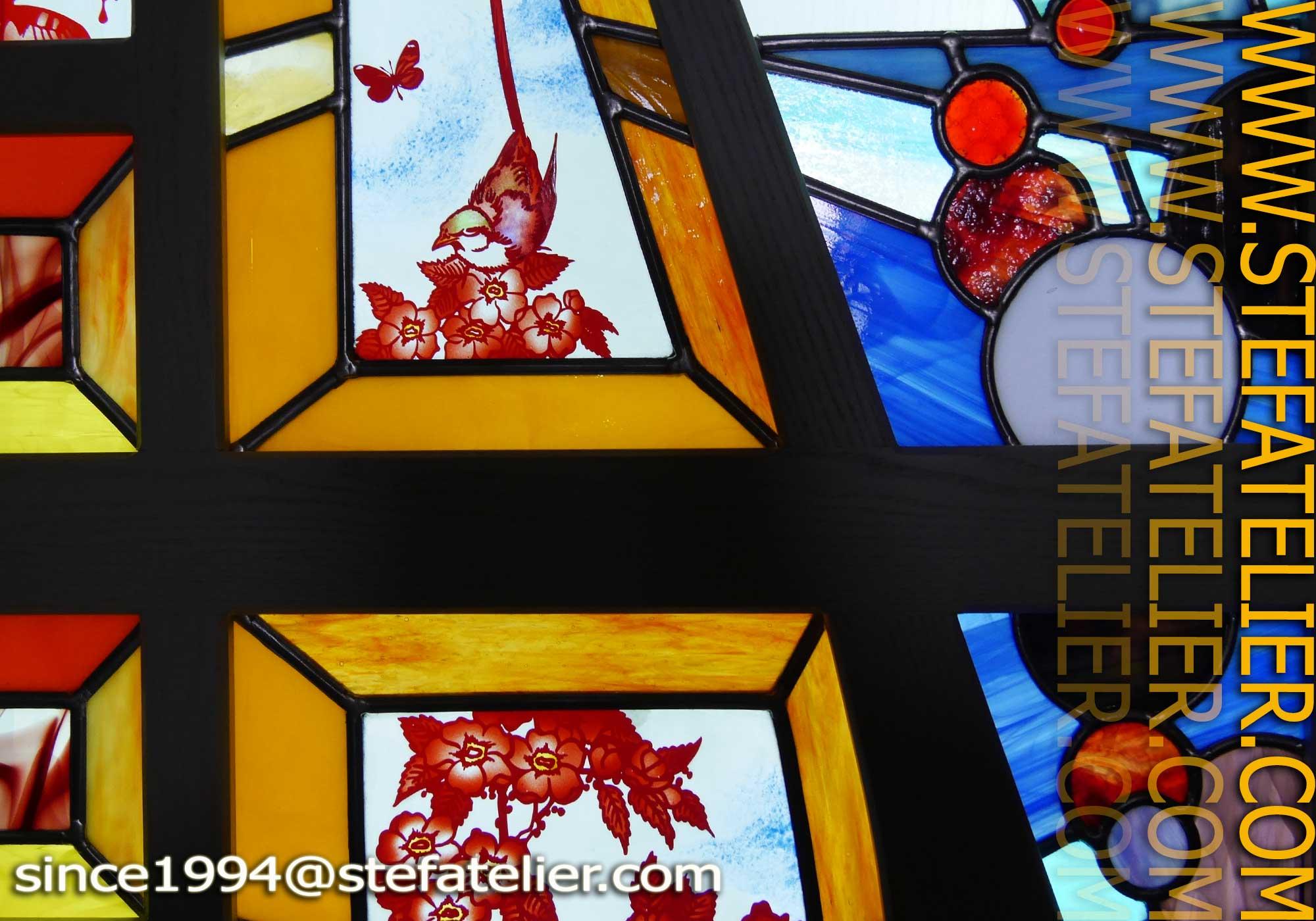 Vitrine aux vitraux meuble a stef atelier vitraux d art for Les lions du meuble