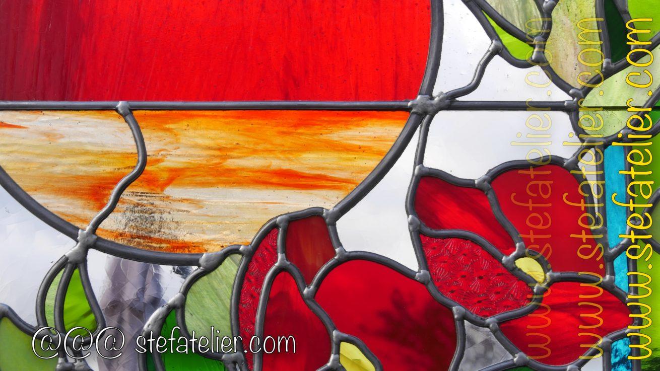 vitrail fleurs rouges