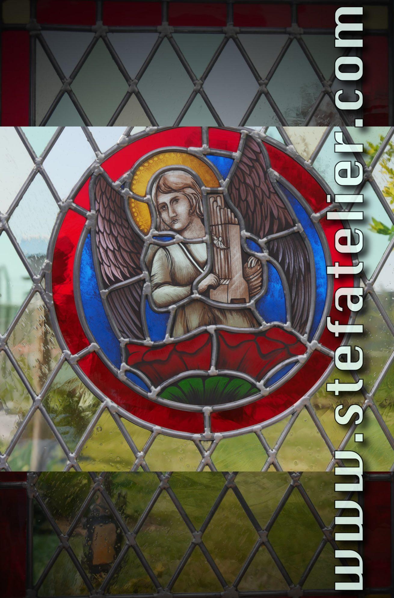 écusson vitrail au plomb ange musicien