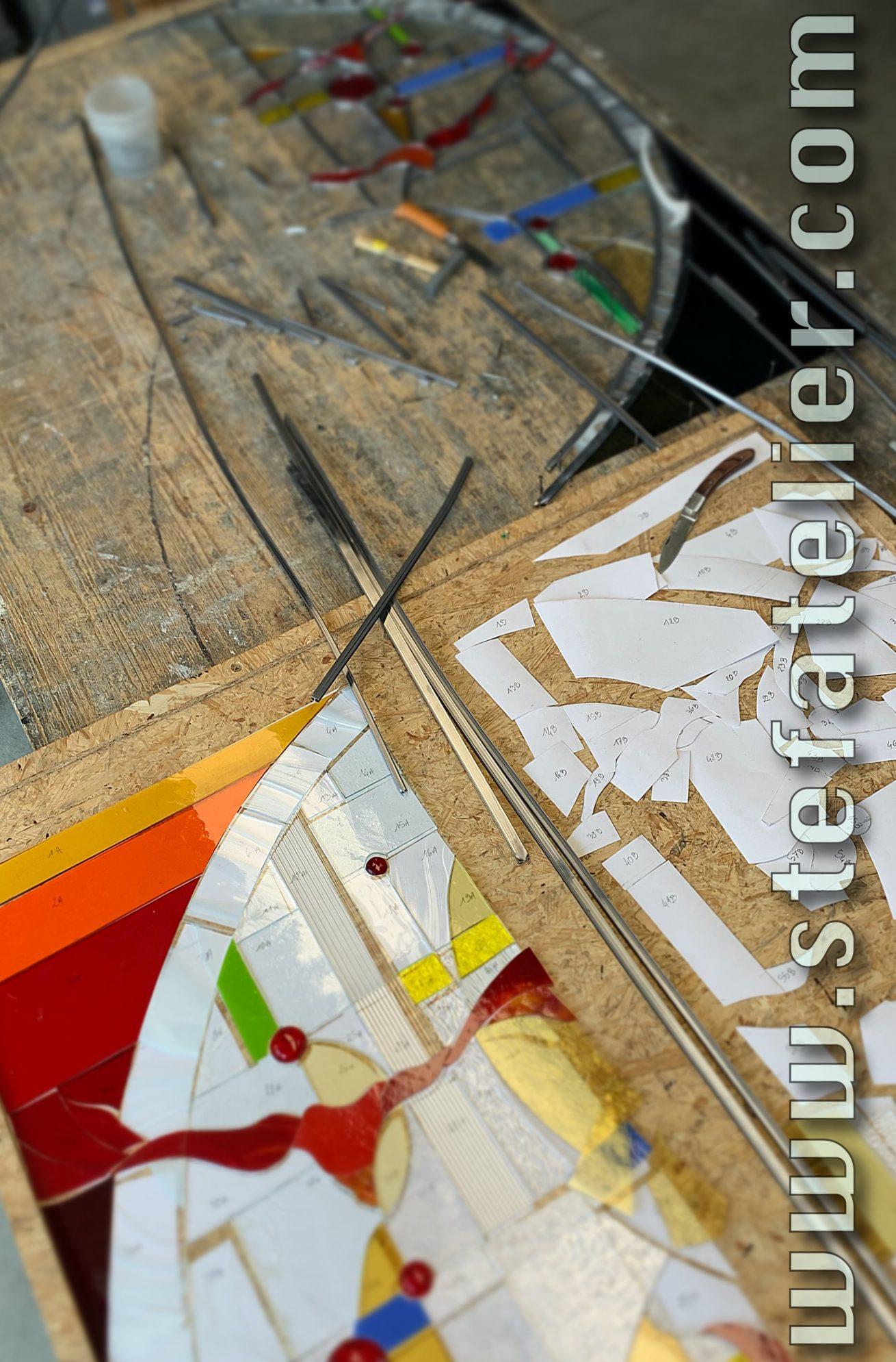 vitrail moderne mise en plomb
