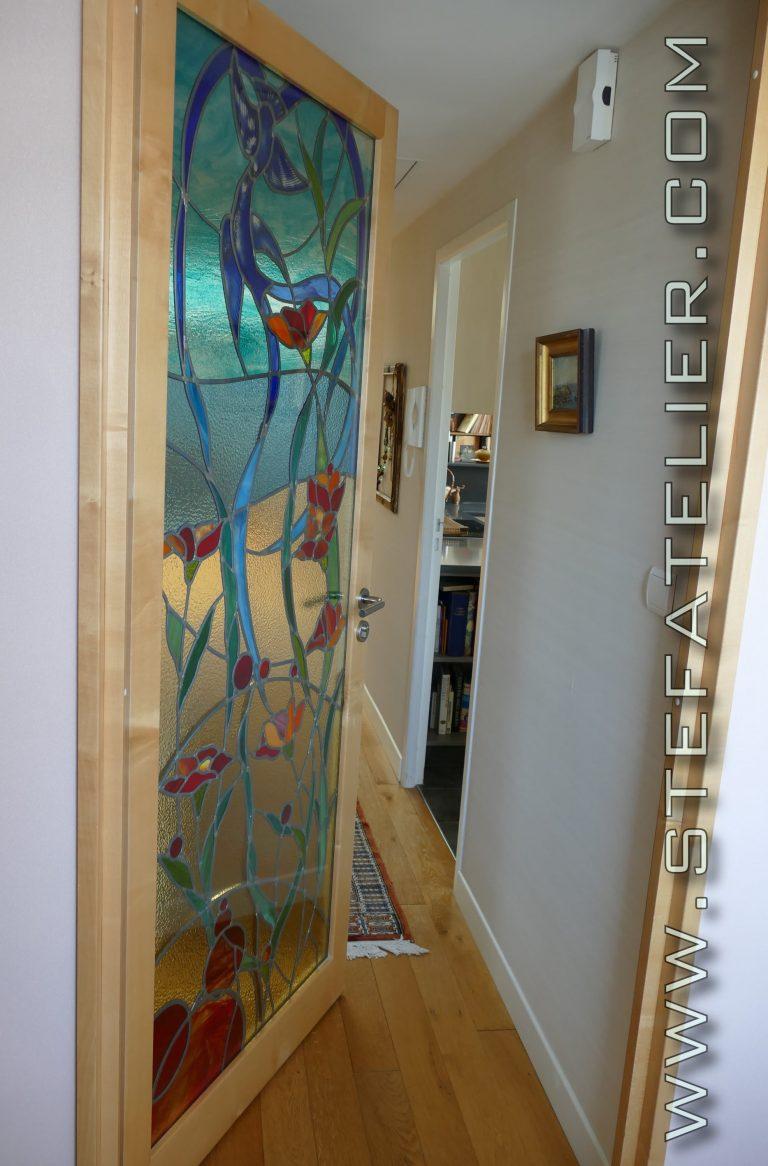 vitrail pour porte oiseaux bleus et fleurs