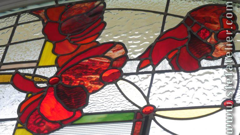 vitrail moderne pour imposte motif de fleurs rouges