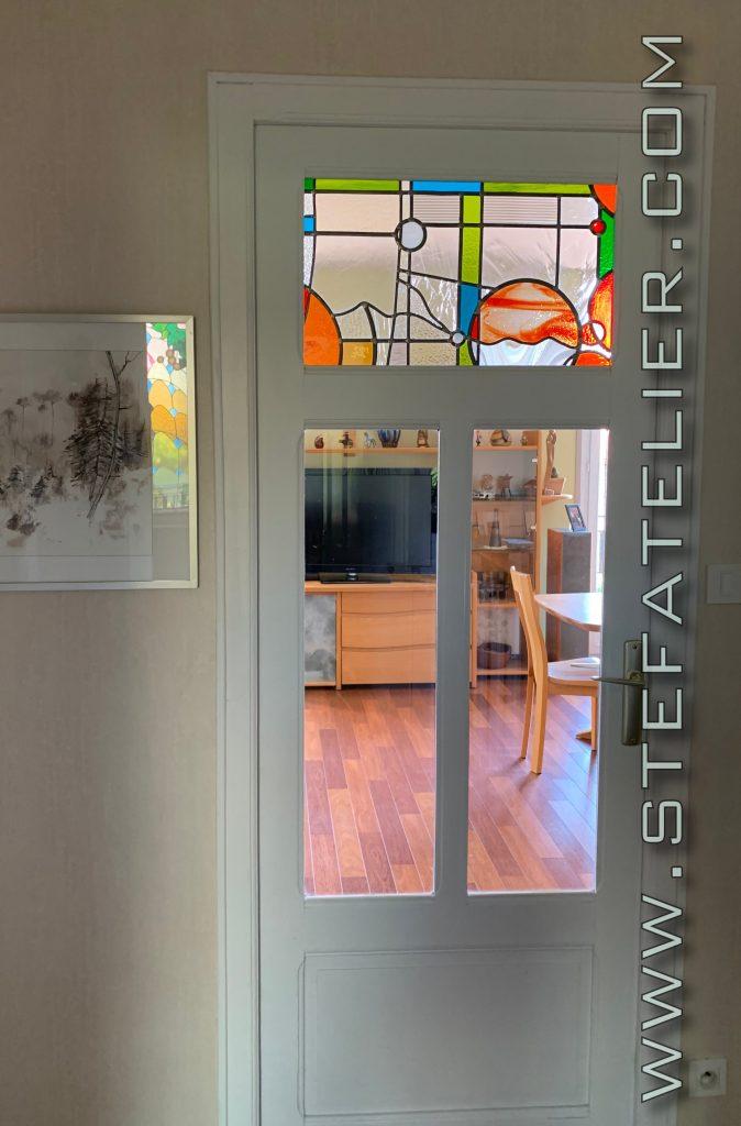 vitrail moderne pour petite imposte de porte